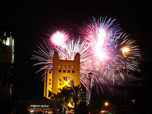 Sacramento 4th of July Limo and party bus party specials with big discounts
