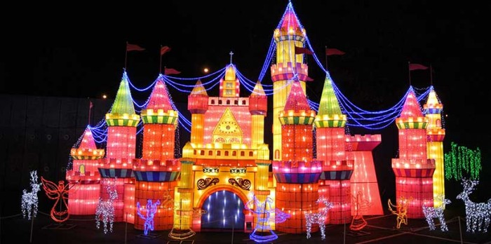 Global Winter Wonderland Lights Tours only $249! | Land Yacht Limos