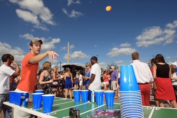 beer-pong-drinking-tailgate-game